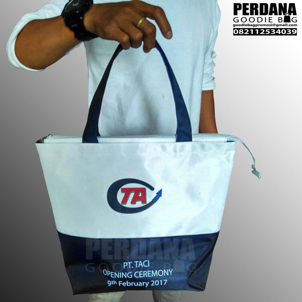 Q2837 - Goodie bag TA D1680 + zipper by perdana