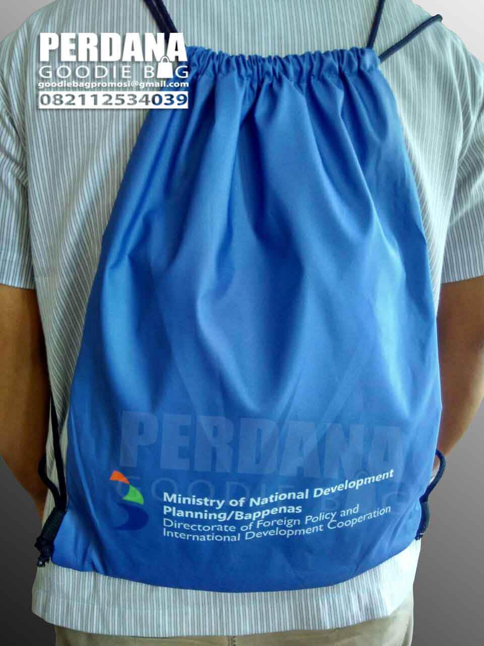 Q2910 drawstring bag taslan printing bappenas