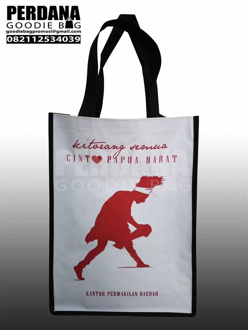 contoh tas souvenir dengan bahan D300