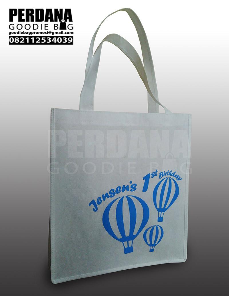 Goody Bag Murah Untuk Ulang Tahun Bahan Spunbond