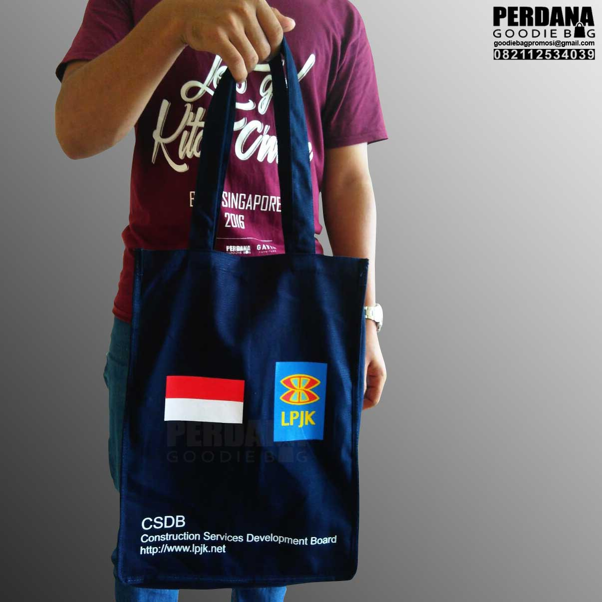 Q2838 tas kanvas LPJK by Perdana Goodiebag