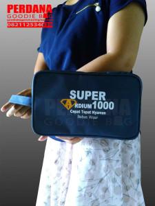 goodie bag promosi bentuk pouch bahan dinier