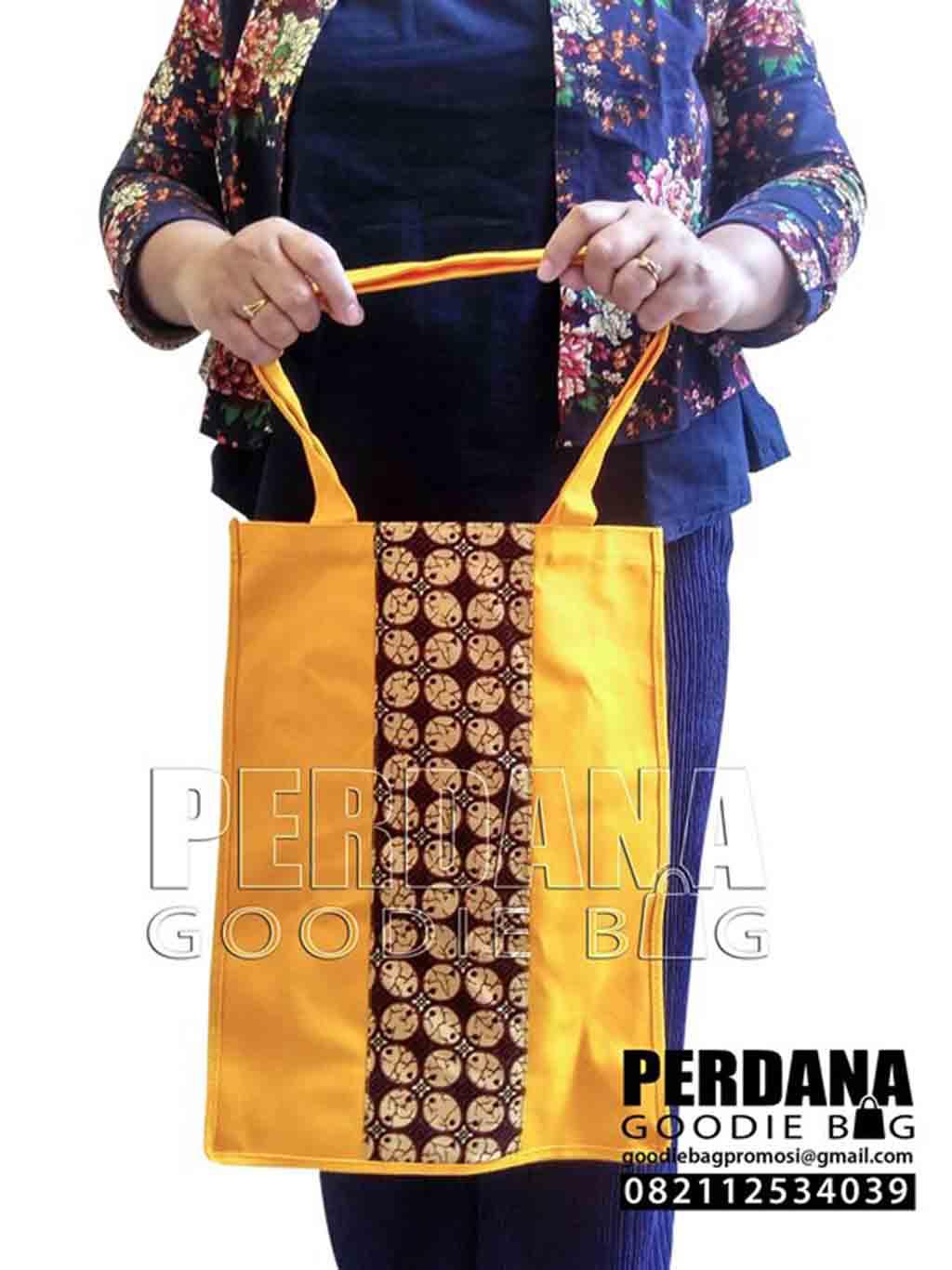 tas bahan kanvas kuning kombinasi batik di BSD by Perdana Q3652