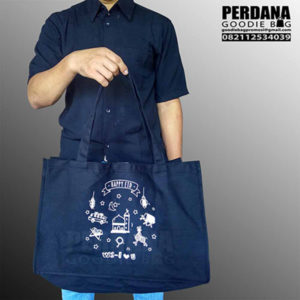 Q3171 tote bag kanvas telkom sablon custom