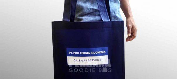 souvenir tas spunbond PTI Kuningan by Perdana Goodie Bag Q3637