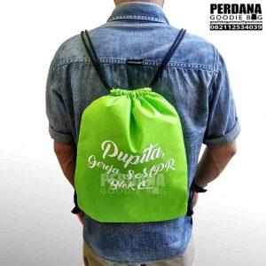 goodie bag serut spunbond murah by perdana Q3619