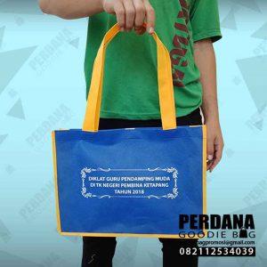 contoh souvenir tas diklat bahan spunbond di Ketapang by Perdana Q4122