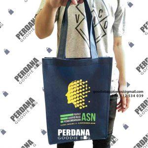 contoh tas spunbond seminar ASN Cipayung by Perdana id4786