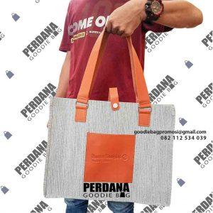 tote bag wanita cocok untuk ragam aktivitas by Perdana Goodie Bag