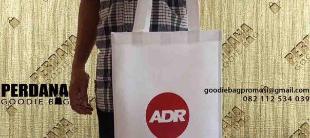 contoh tas kain furing sablon ADR by Perdana Goodie Bag id4936