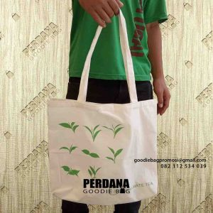 jual tas kain blacu sablon custom by Perdana Goodie Bag id5382