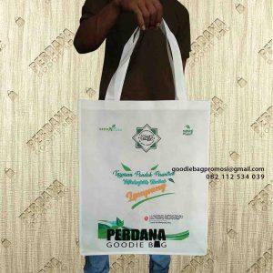 souvenir tas murah besar desain sablon di Lampung by Perdana Goodie Bag id6645