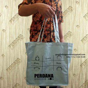 35+ Portofolio Goodie Bag Bahan Kanvas Desain Sendiri ID5250P