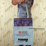 Tas Souvenir Bahan Kanvas kombinasi batik dengan desain sablon Custom
